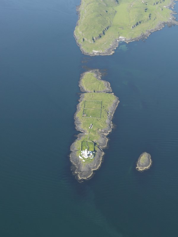 General oblique aerial view of Eilean Musdile and the Lismore lighthouse, taken from the SW.