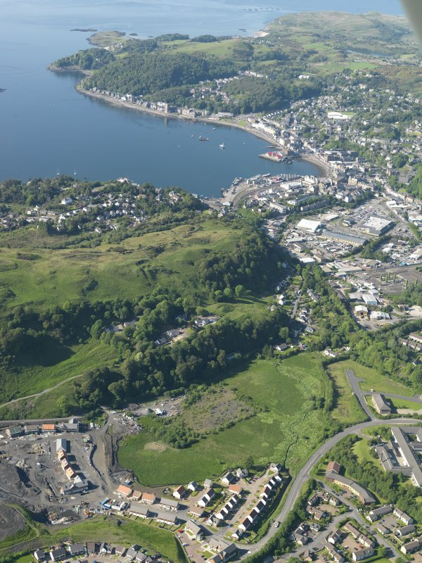 General oblique aerial view of Oban, taken from the S.
