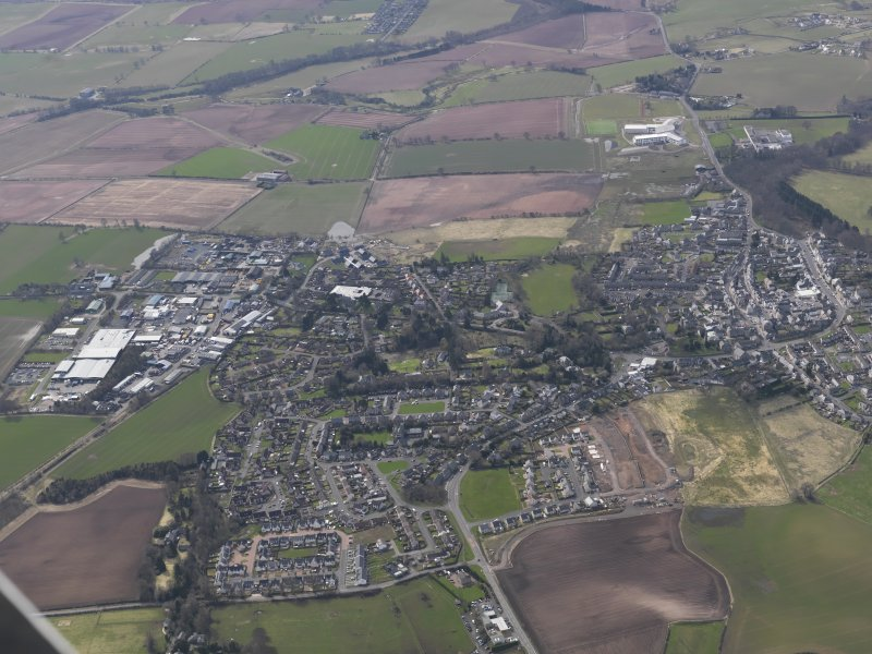 General oblique aerial view centred on the town, taken from the ENE.