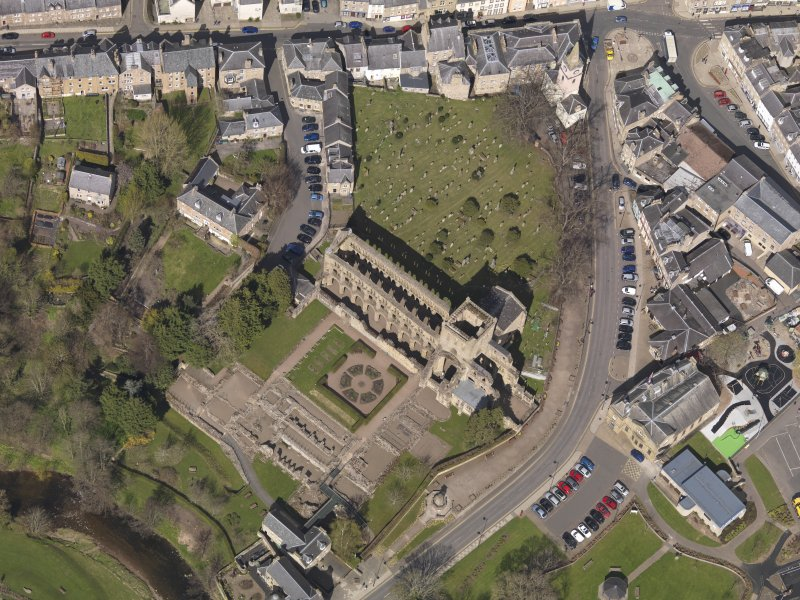 Oblique aerial view centred on the Abbey, taken from the SE.