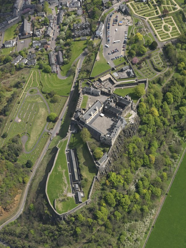 Oblique aerial view of Stirling Castle, taken from the NNW.