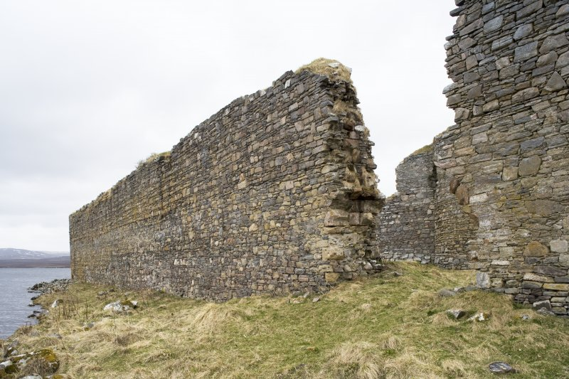 E outer wall and entrance, view from NE