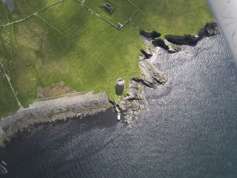 Oblique aerial view centred on the Broch of Mousa, taken from the WNW.