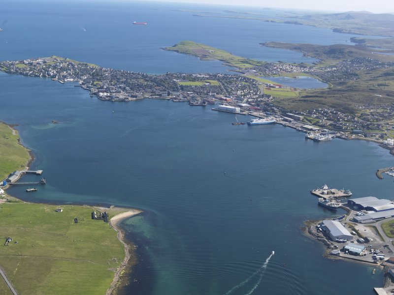 General oblique aerial view of Lerwick with Heogan in the foreground, looking SSW.