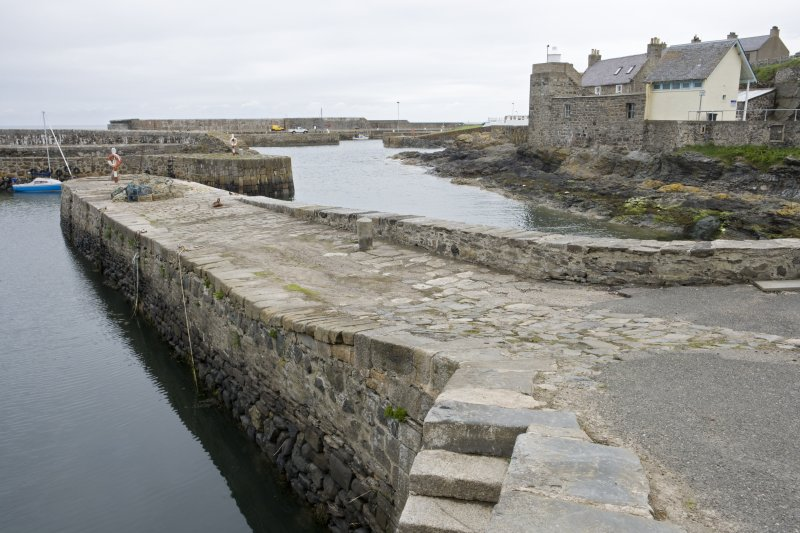 Old harbour, E wall,  view from SSW