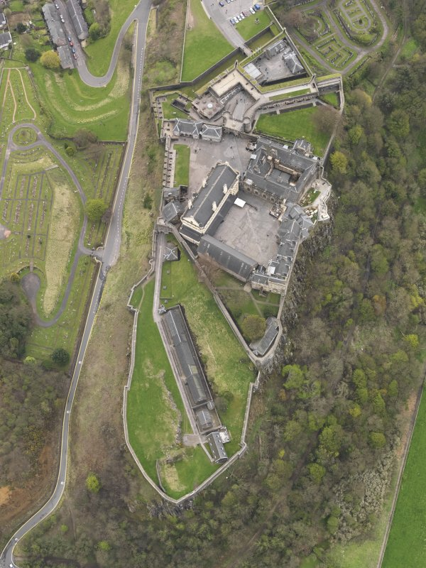 General oblique aerial view of the castle centred on the Great Hall, taken from the NNW.