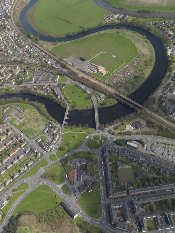 Oblique aerial view of the city, centred on the bridges across the River Forth at Causewayhead, taken from the WSW.