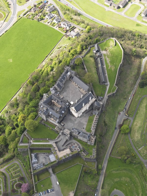 Oblique aerial view of the castle centred on the Great Hall, taken from the NW.