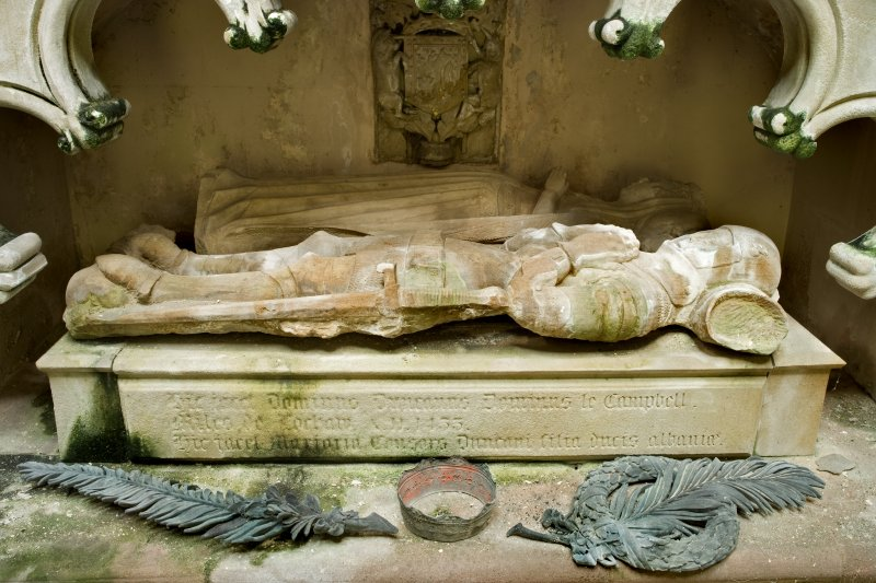 Interior. Detail. View of the 15th century stone effigies of Sir Duncan Campbell and his wife, Marjory. The effigies are situated within a niche, beneath an arch on the South wall of the Argyll Mausoleum.
