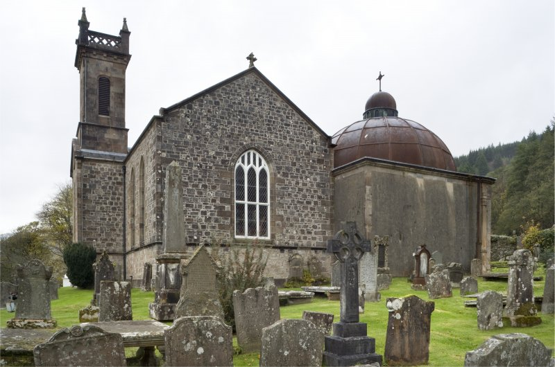 View from South-East of Church of St Munn's and adjoining Argyll Mausoleum.