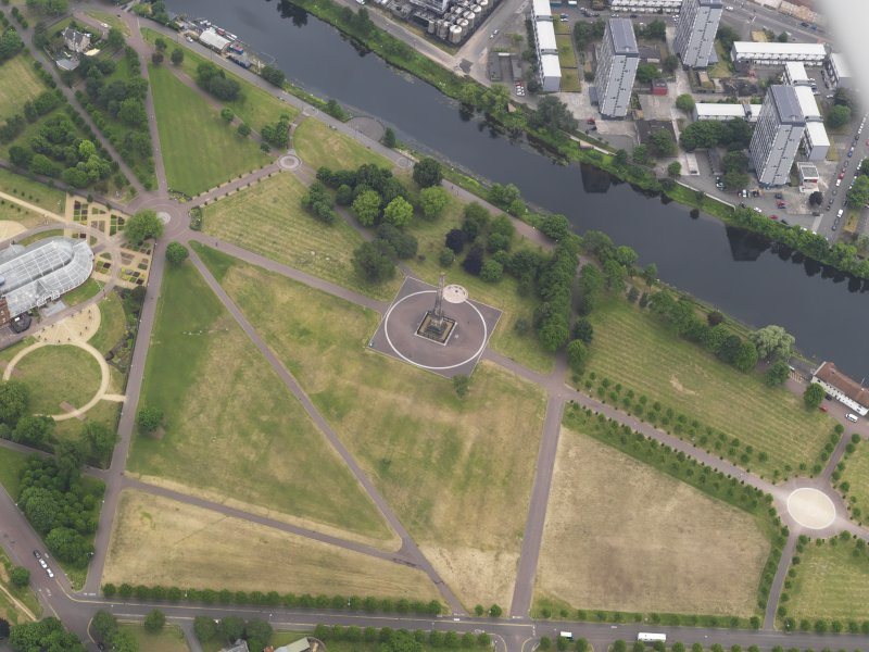 Oblique aerial view of the parchmarks of the air raid shelters at Glasgow Green, looking S.