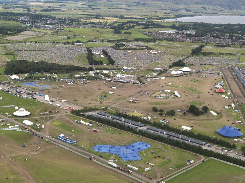 Oblique aerial view of T in the Park, looking to the E.