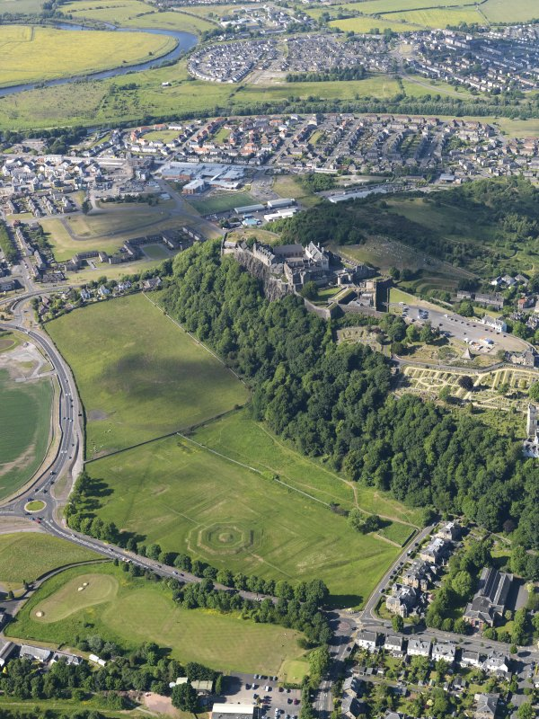 General oblique aerial view of Stirling castle with the King's Knot in the foreground, taken from the S.