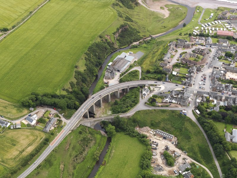 Oblique aerial view of the bridges at Inverbervie, looking to the SE.