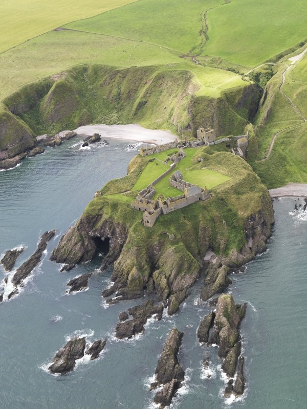 Oblique aerial view of Dunnottar Castle, looking to the WSW.