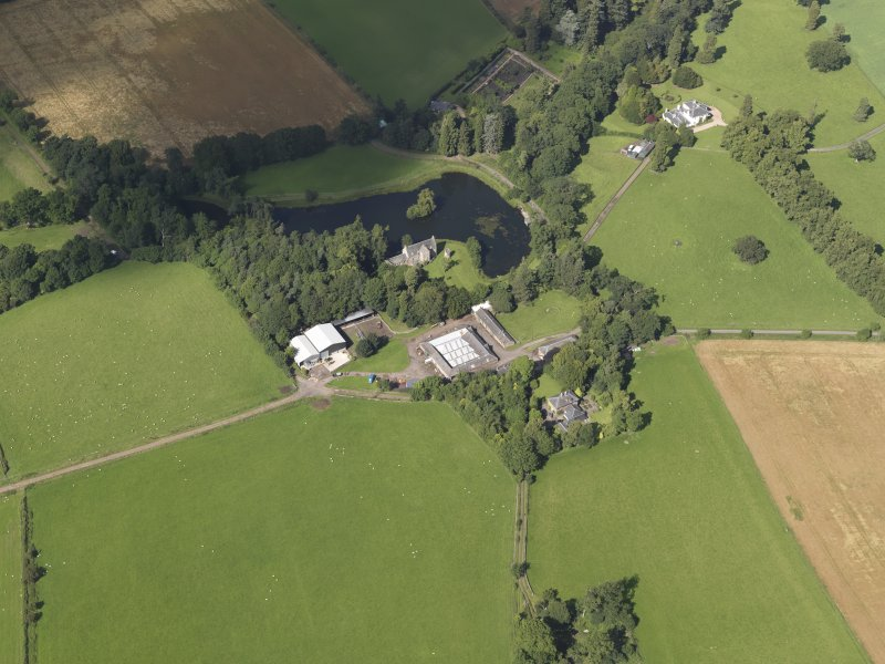 Oblique aerial view of Ecclesmagirdle and Glenearn country houses, looking to the N.