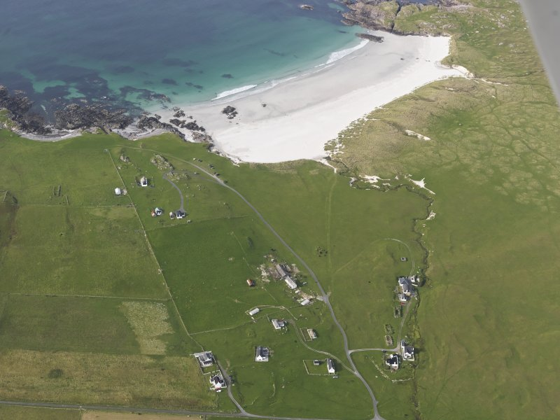 Oblique aerial view of Balevullin and Traigh Baile a' Mhuilian Tiree, looking to the NNW.