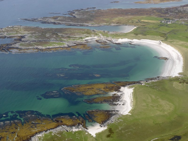 General oblique aerial view of Oronsay Farm and Priory, taken from the SSW.