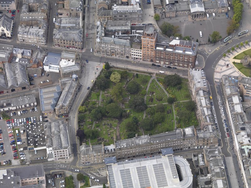 General oblique aerial view of the Meadowside area, centred on The Howff taken from the SE.