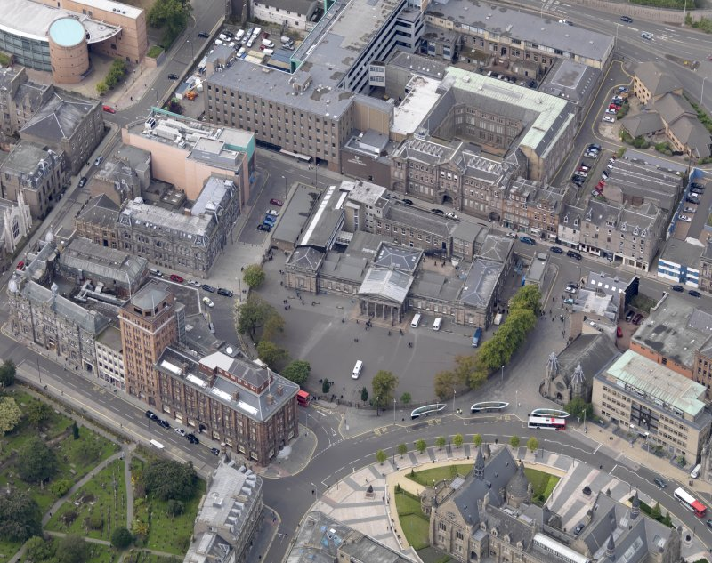 General oblique aerial view of the Bell Street area, centred on the High School taken from the ESE.