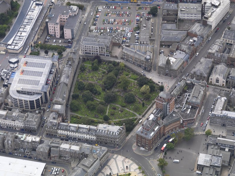 General oblique aerial view of the Bell Street area, centred on the Howff taken from the NE.