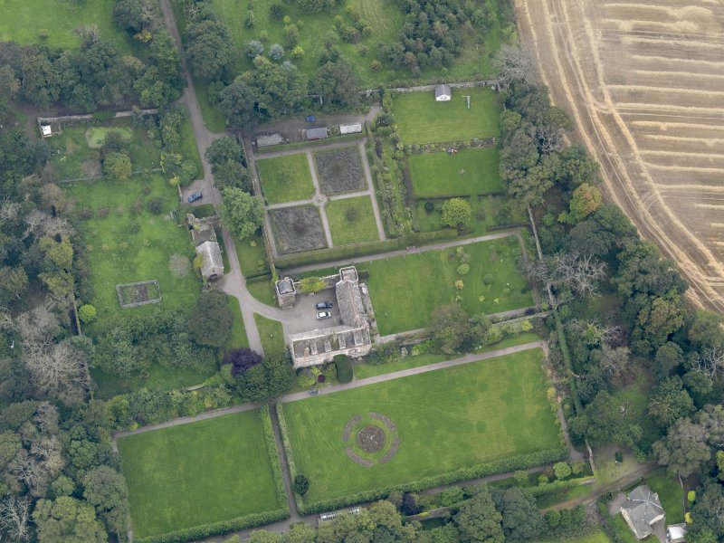 General oblique aerial view of the Usan estate, centred on Usan House, taken from the NNW.