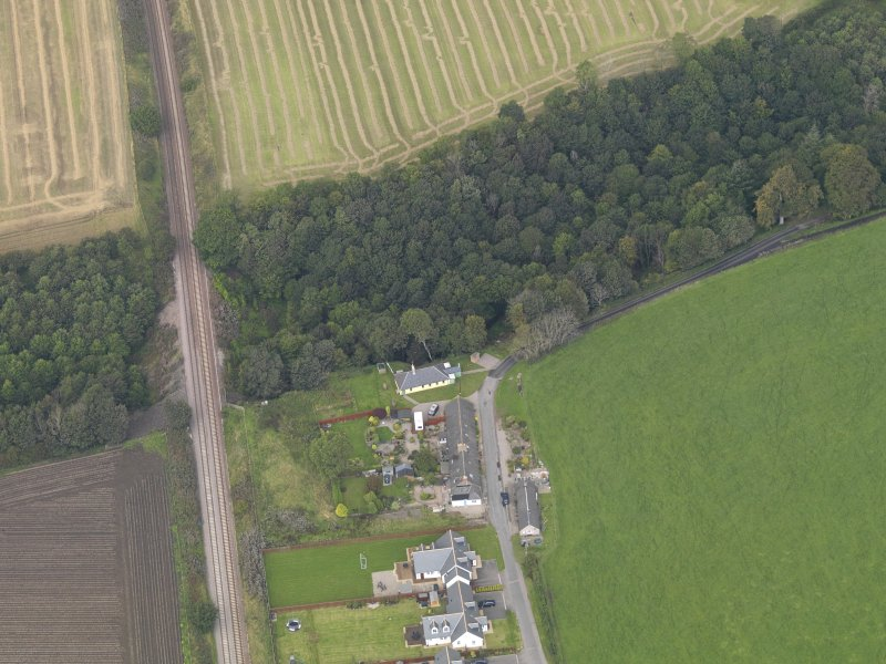 General oblique aerial view of the village of Logie, centred on Logie Church, taken from the SSE.