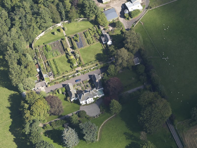 General oblique aerial view of the Pitscandly Estate, centred on Pitscandly House, taken from the W.