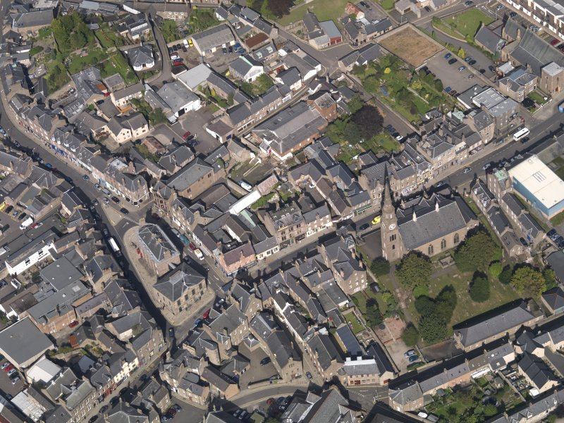 General oblique aerial view of the High Street area of Forfar, centred on Municipal Buildings, taken from the S.