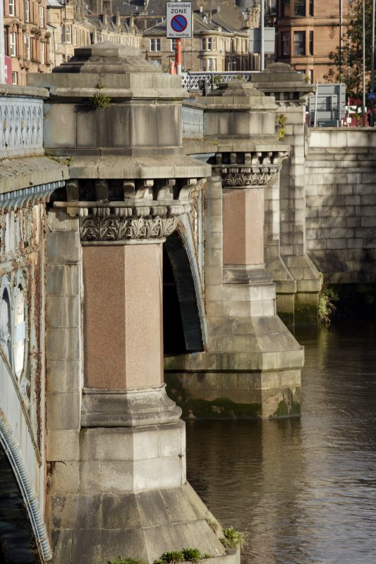 Detail of piers and cutwaters.