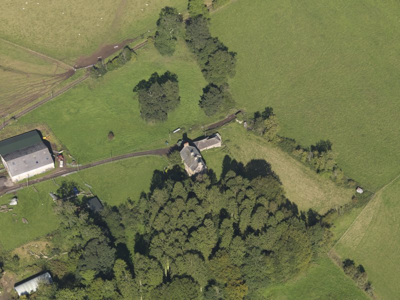 General oblique aerial view of Baldovie Farm, centred on Baldovie farmhouse taken from the SSE.