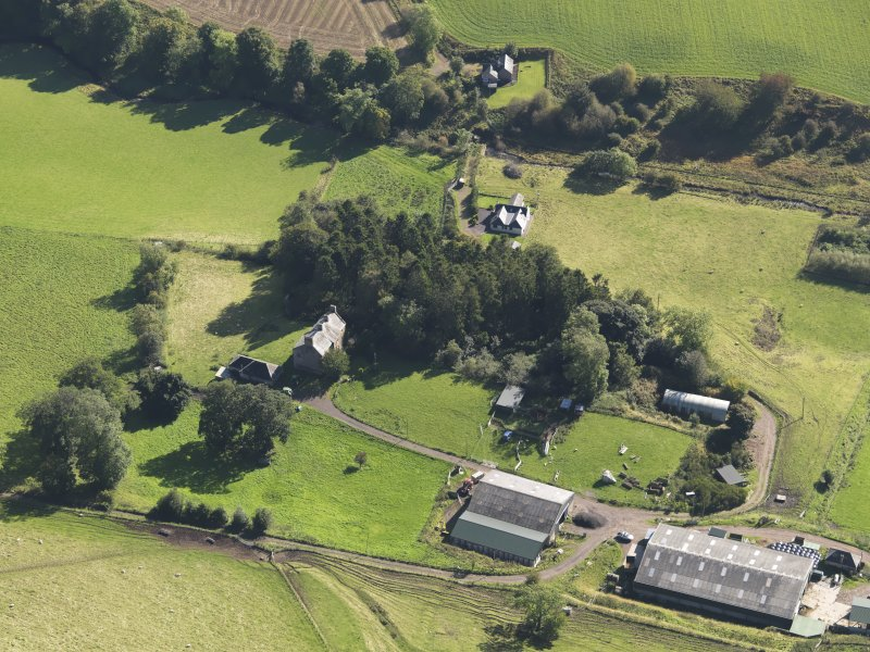 General oblique aerial view of Baldovie Farm, centred on Baldovie farmhouse taken from the NNW.