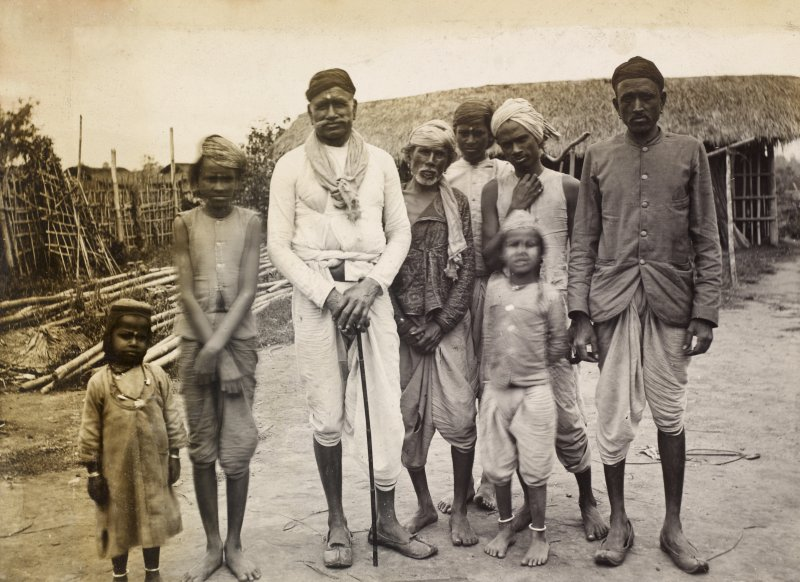 View of group of people, probably in India.  Titled: 'Group of Kyahs Pathalipan'