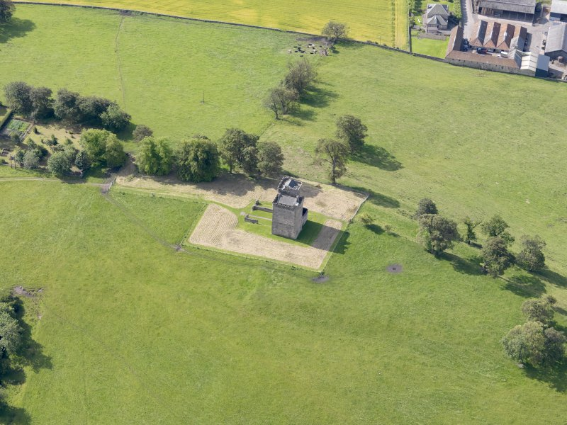 Oblique aerial view of Clackmannan Tower, taken from the N.
