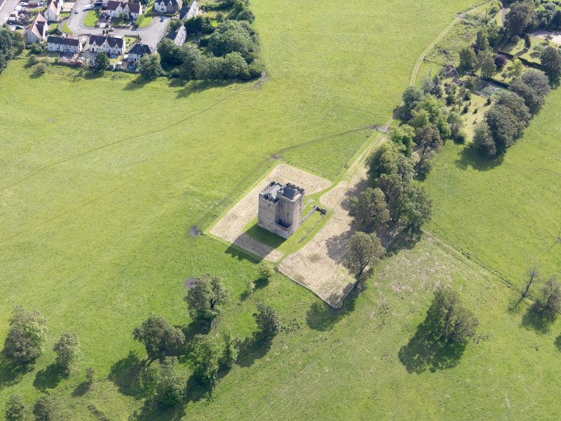 Oblique aerial view of Clackmannan Tower, taken from the WSW.