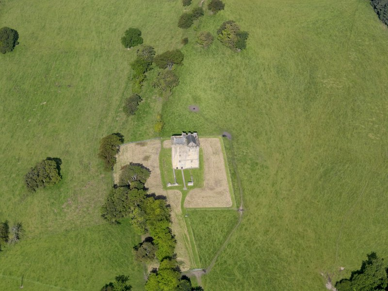 Oblique aerial view of Clackmannan Tower, taken from the ESE.