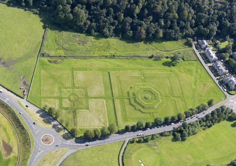 Oblique aerial view of the King's Knot at Stirling, taken from the WSW.