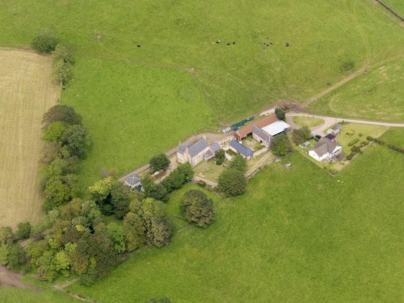 Oblique aerial view of Sornhill, taken from the SSW.