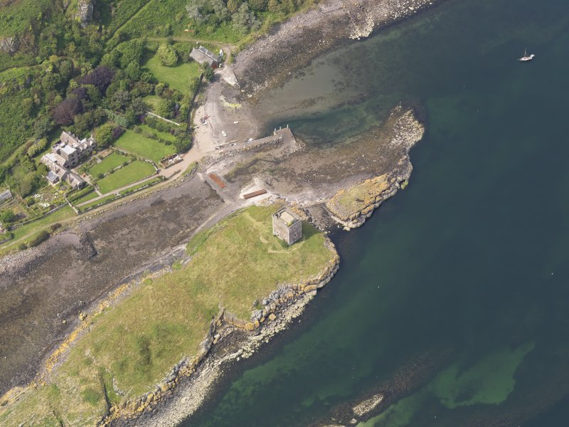 Oblique aerial view of Little Cumbrae Castle, taken from the SE.