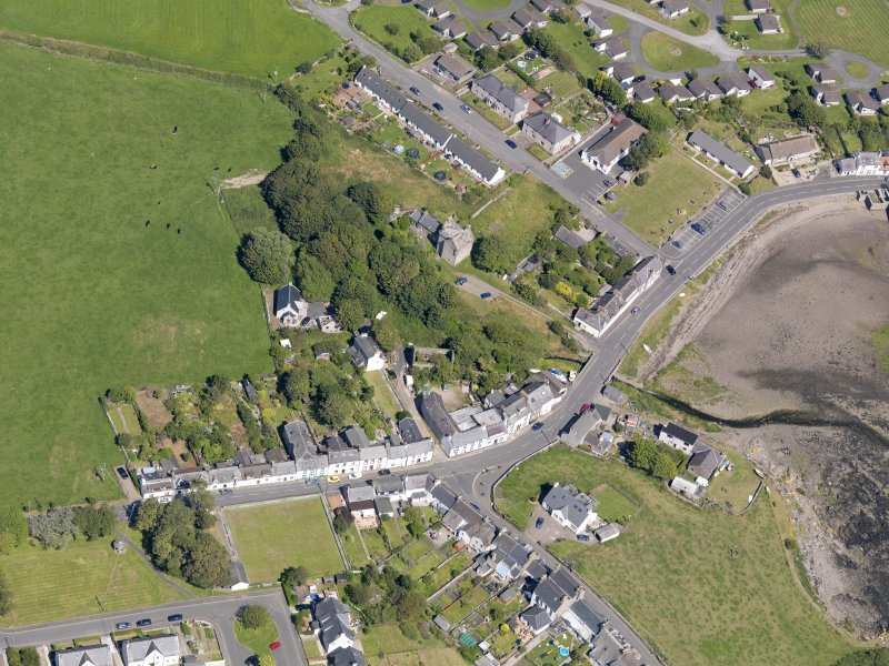 Oblique aerial view of Isle of Whithorn Castle, taken from the SW.