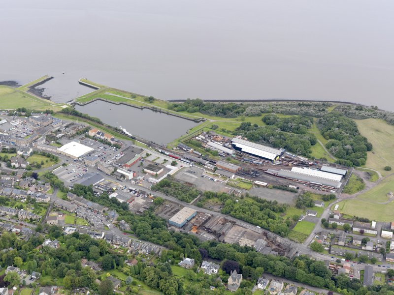 General oblique aerial view of Bo'Ness Harbour and Railway Station, taken from the SSE.