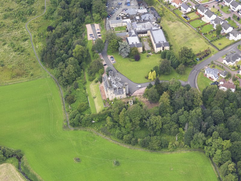 Oblique aerial view of Airth Castle and Old Parish Church, taken from the ESE.