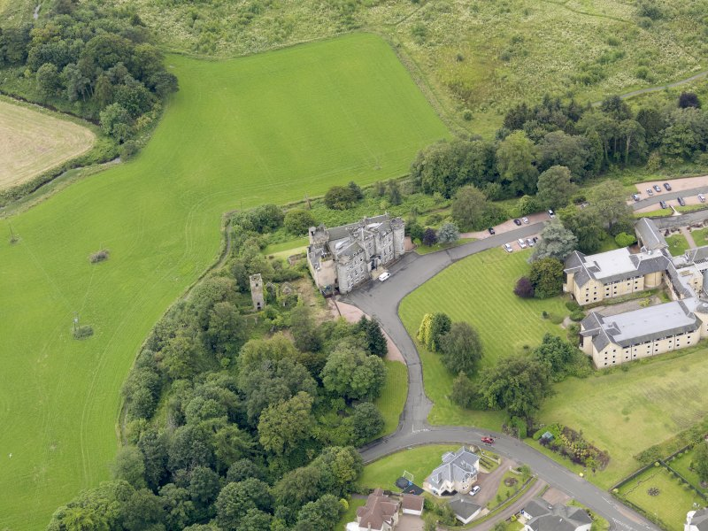 Oblique aerial view of Airth Castle and Old Parish Church, taken from the N.