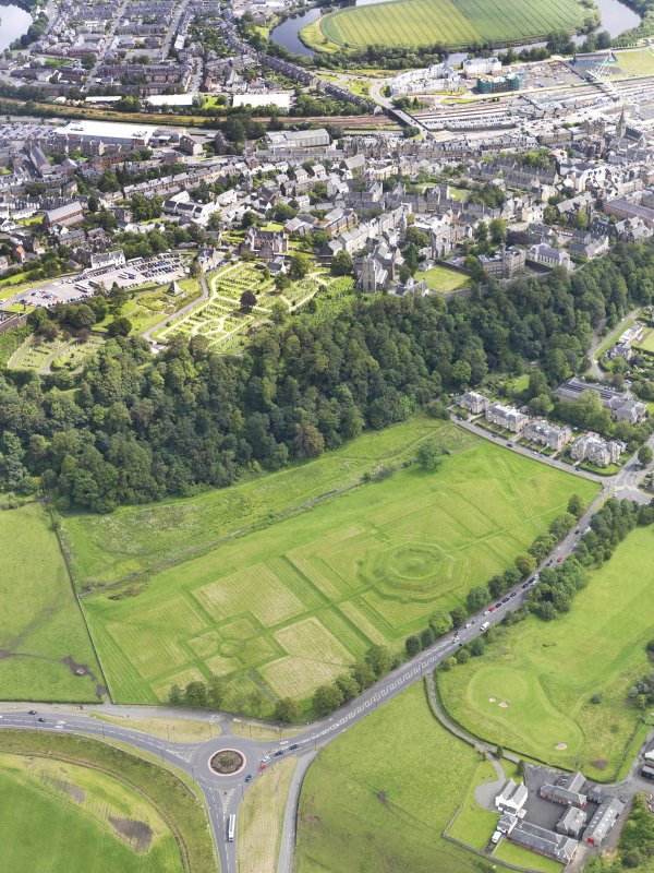 General oblique aerial view of the King's Knot at Stirling, taken from the W.