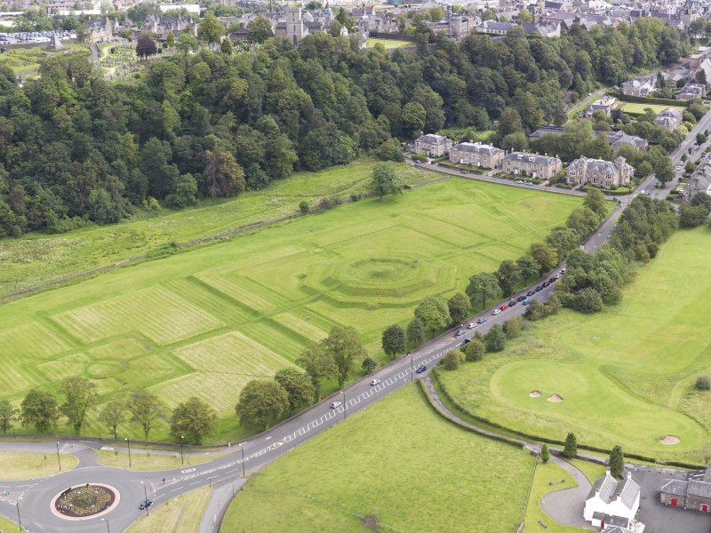 Oblique aerial view of the King's Knot at Stirling, taken from the WNW.