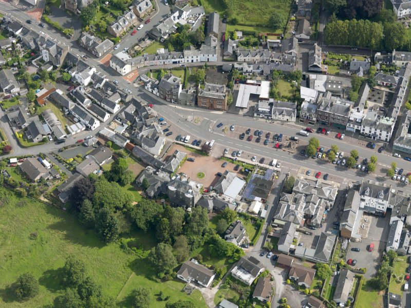 Oblique aerial view of High Street, centred on Moffat House, taken from the SW.