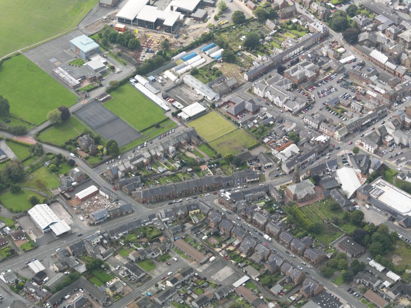 General oblique aerial view of Annan, taken from the NE.