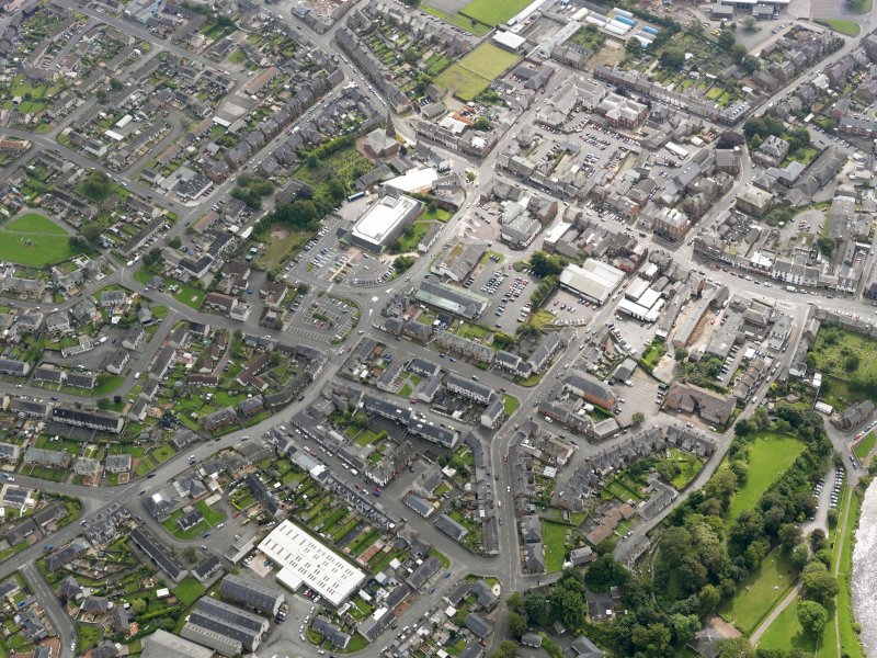 General oblique aerial view of Annan, taken from the NW.