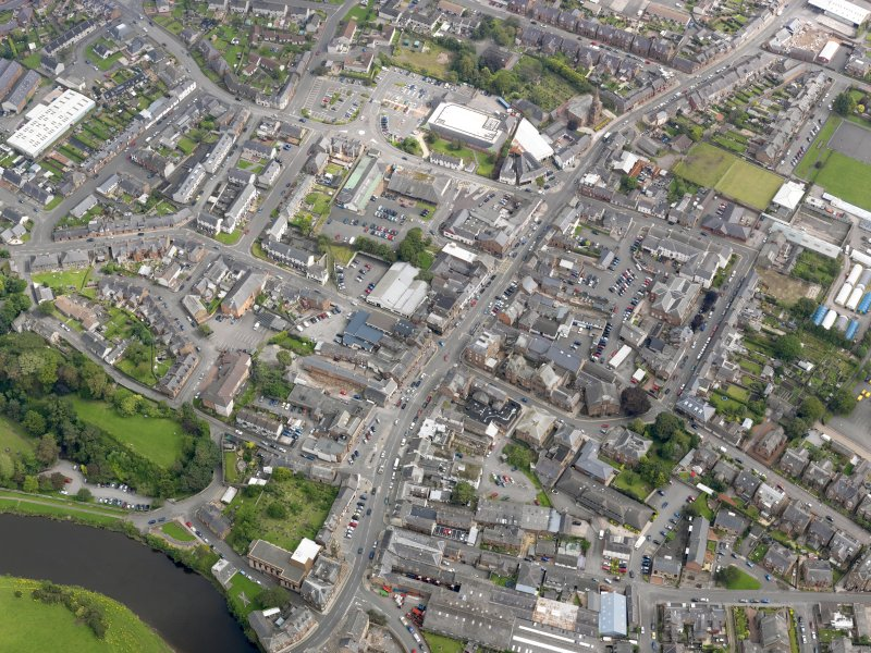 General oblique aerial view of Annan, taken from the WSW.