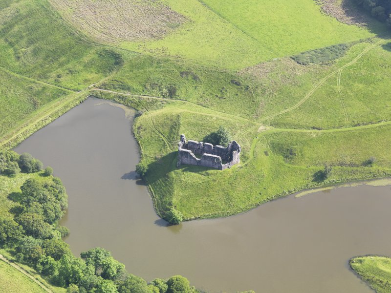 Oblique aerial view of Morton Castle, taken from the NNW.